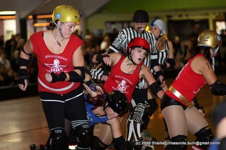 Bham jamm Tulla jit gets help from her pack. bham mangles Jammer Mangles tries to get through a pack of 'Hamsters! Thanks Sharkey for the shots!